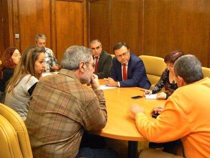Afectados por hepatitis C presentarán una querella criminal contra Ana Mato y piden apoyo al nuevo ministro