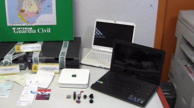 Objectos confiscados en la operación Scamcoll