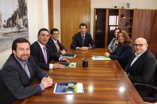 Ruiz con una delegación del gobierno de la región chilena de OHiggins
