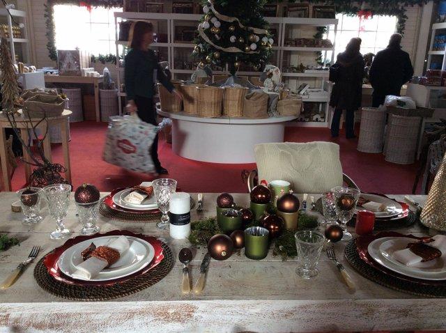 Navidad, fiestas navideñas, adornos, regalos, guirnaldas