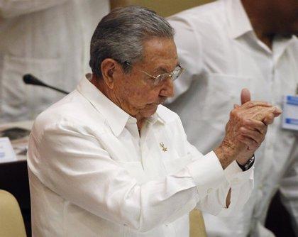 """Raúl Castro advierte de que aún queda una lucha """"larga y difícil"""" para el levantamiento del bloqueo"""