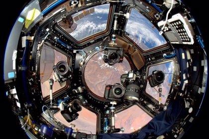 ¿Cómo trabaja un fotógrafo en el espacio?