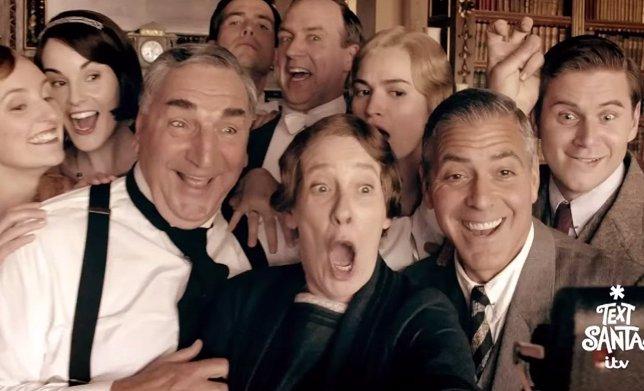 VIDEO: Así fue el paso de George Clooney por Downton Abbey