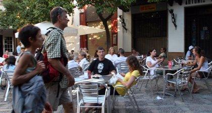El Ayuntamiento levanta el precinto de cuatro de los bares clausurados