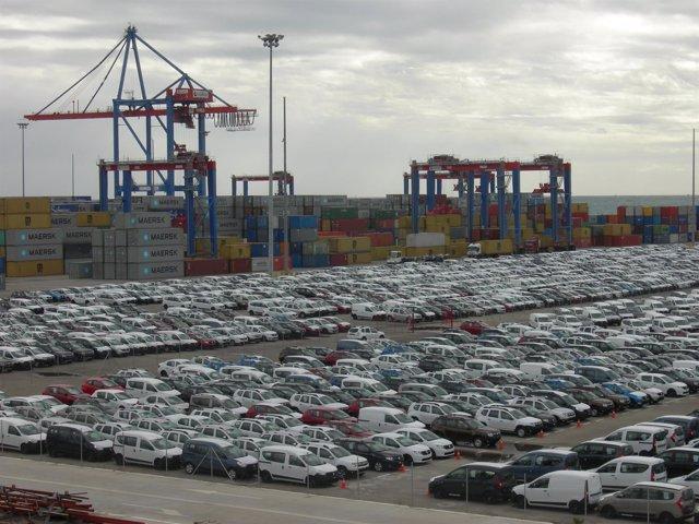 Vehículos en el puerto de Málaga
