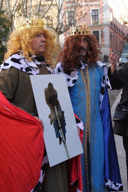 Melchor y Gaspar protestan contra la 'devolución en caliente' de Baltasar