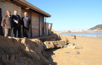 Laredo reivindica la escollera soterrada para proteger el Puntal