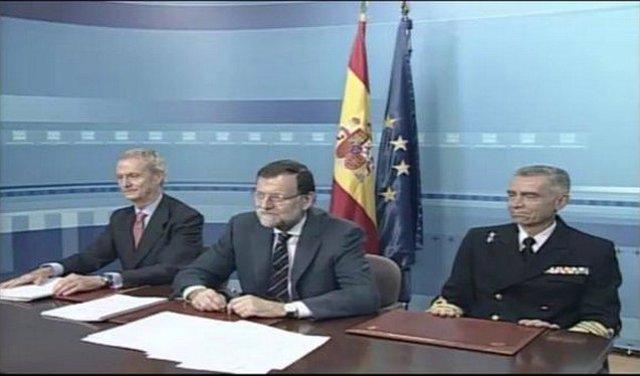 El presidente del Gobierno, Mariano Rajoy, en videoconferencia con las misiones