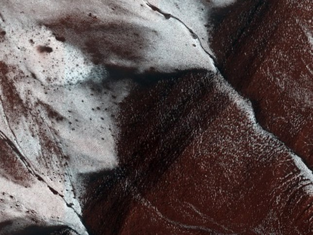 Laderas con hielo en Marte