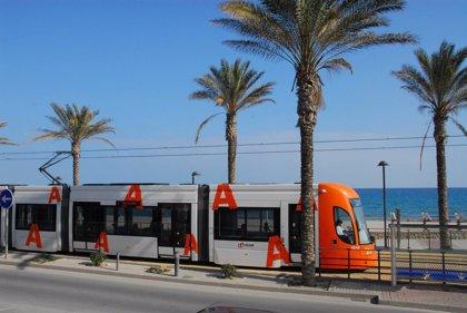Los usuarios del TRAM puntúan con un 8,33 el servicio del metropolitano