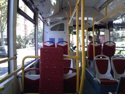 Diez autobuses dobles se incorporan a la flota de transporte urbano