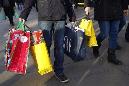 Las ventas navideñas en Brasil caen por primera vez en los últimos años