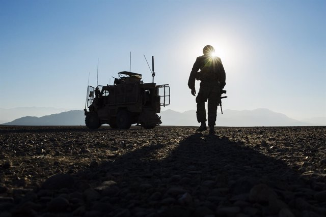 Soldado estadounidense se retira de Afganistán