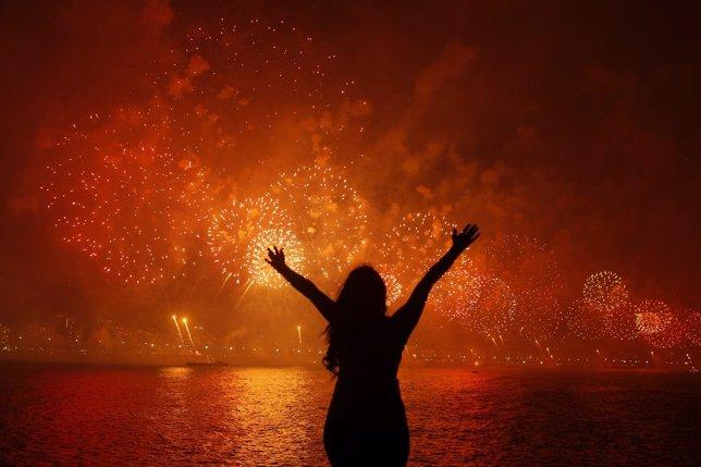 Rituais brasileiros para entrar com bom pé no ano novo
