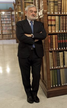 Darío Villanueva, nuevo director de la RAE