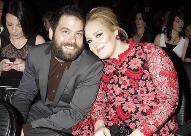 Crisis entre Adele y su novio Simon Konecki, Ya no vivirían juntos