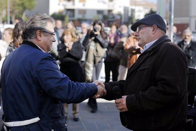 Zoido Junto Al Dirigente Vecinal Ricardo Molina