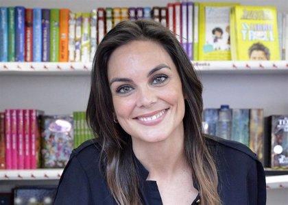 Mónica Carrillo firma ejemplares de 'La luz de Candela' este martes