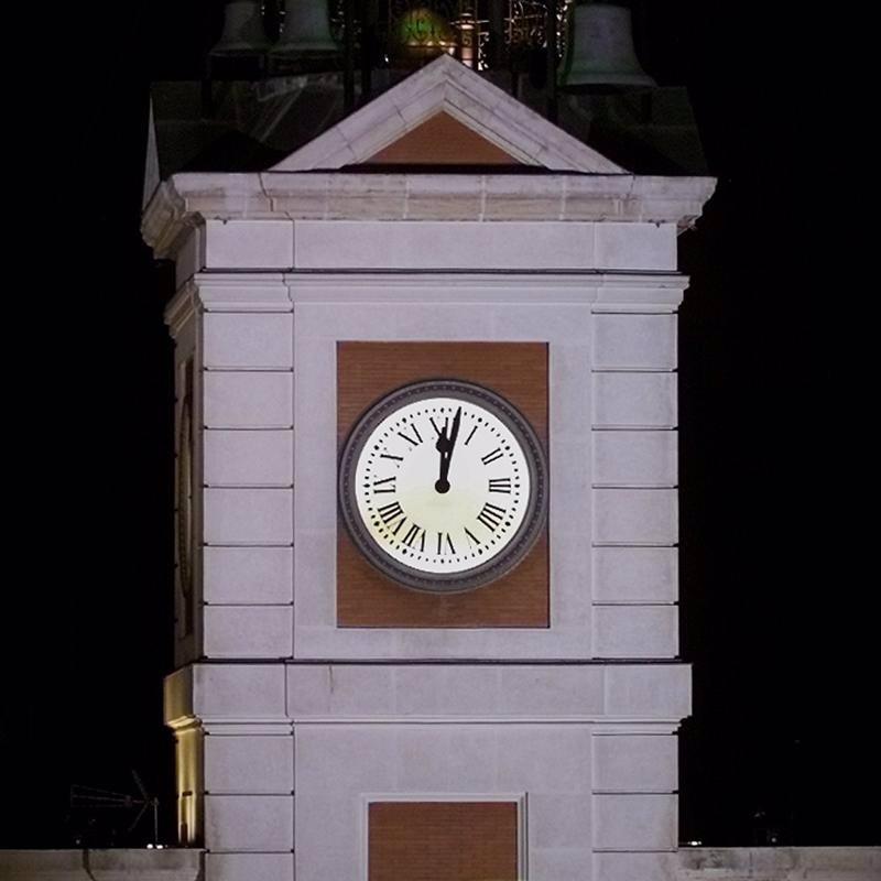 Homenaje al relojero que construy el reloj de la puerta for Fotos reloj puerta del sol madrid