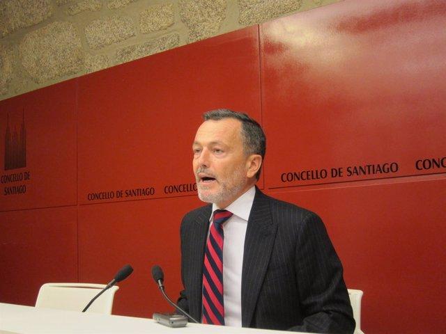Agustín Hernández, alcalde de Santiago