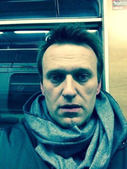 Navalni rompe el arresto domiciliario para unirse a una manifestación opositora en Moscú