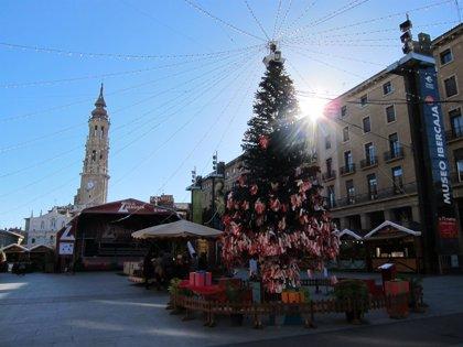 La plaza del Pilar se prepara para despedir el año y dar la bienvenida a 2015