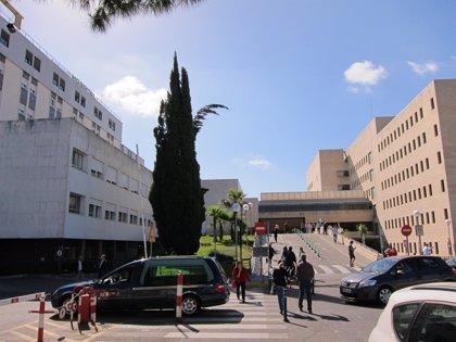 """El Hospital Reina Sofía aclara que el criterio para suministrar tratamientos por hepatitis C """"no es diferente"""""""