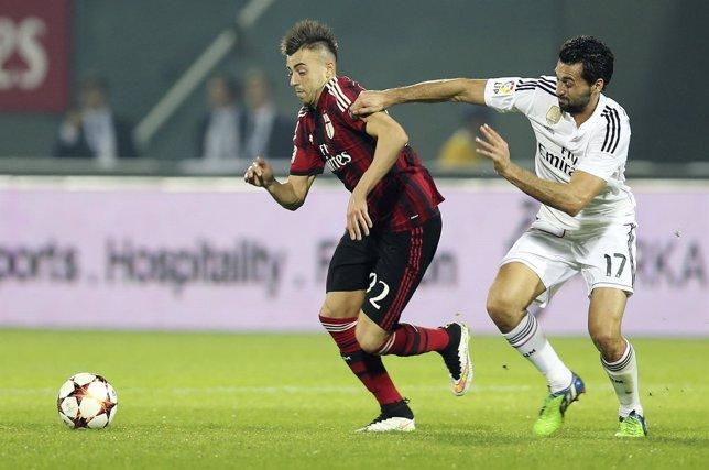 Álvaro Arbeloa y Stephan El Shaarawy en el Real Madrid - Milan
