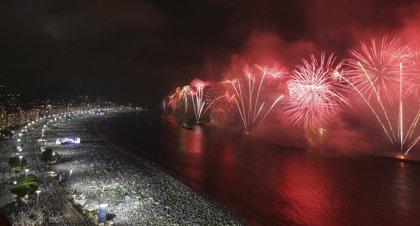 Más de dos millones de personas despedirán el año en la playa de Copacabana