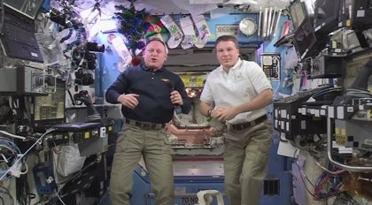 Astronautas de la ESA felicitan el Año Nuevo desde el espacio