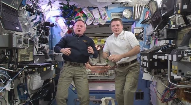 Astronautas envían mensaje de Año Nuevo desde el espacio