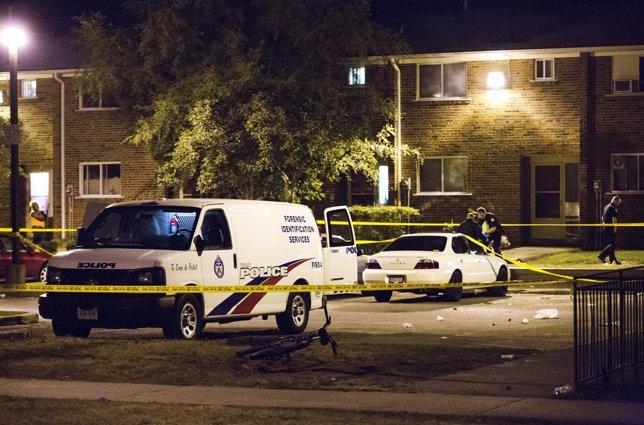 Policía de Toronto, Canadá en un tiroteo