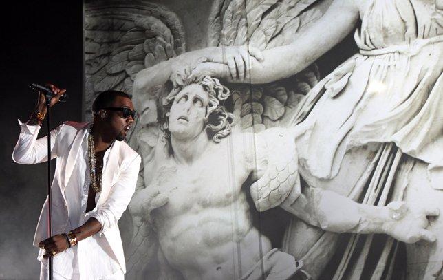 El Rapero Kanye West Durante Un Concierto