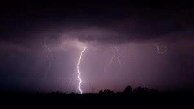 Rayo en una tormenta