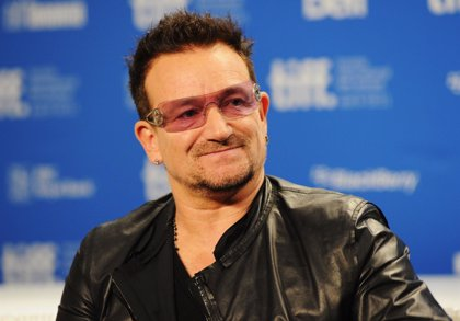 """Bono de U2: """"Quizá no pueda volver a tocar la guitarra"""""""