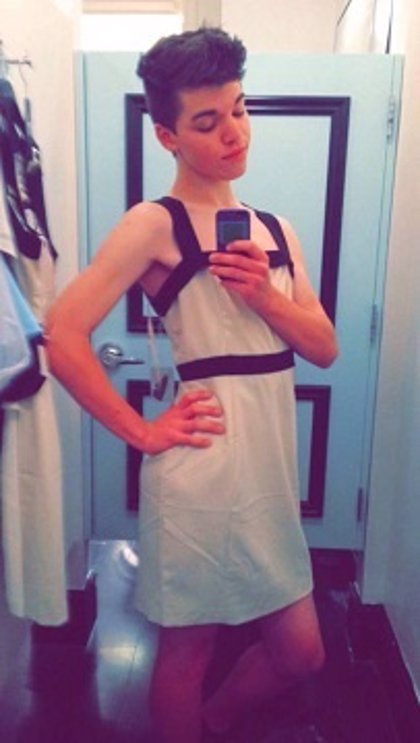 Indignación en las redes por el suicidio de un joven transgénero rechazado por sus padres