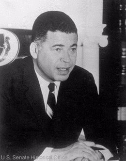 El exsenador republicano Edward Brooke