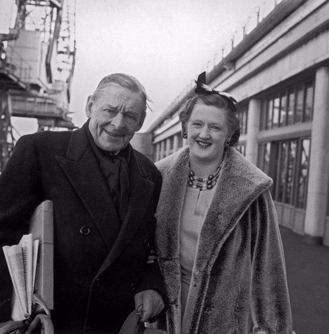 T.S. Eliot (1888 - 1965) Con Su Esposa Valerie