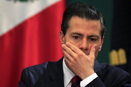 Peña Nieto no asumirá la responsabilidad por los escándalos de compra de viviendas de su mujer