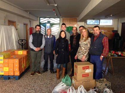 SABIC dona cuatro palés de alimentos y mil prendas de ropa a la Fundación Jesús Abandonado