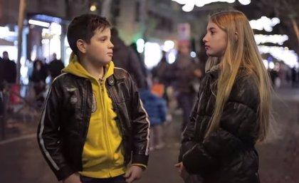 Estos niños hacen viral su reacción contra la violencia de género (VÍDEO)