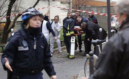 """Las autoridades buscan a """"tres criminales"""" tras el ataque contra 'Charlie Hebdo'"""