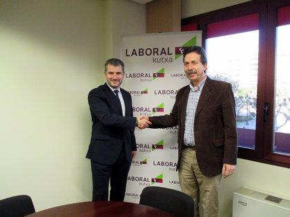 RSC.-Laboral Kutxa hace una donación de 3.000 euros al Banco de Alimentos de La Rioja