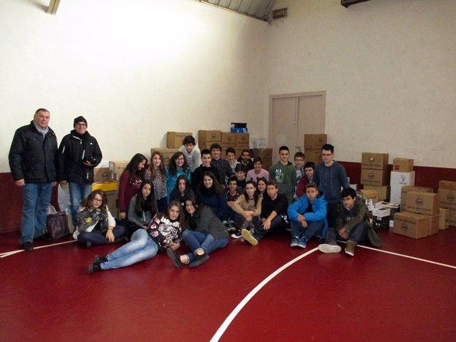 Escolares de Escolapios en actividad solidaria