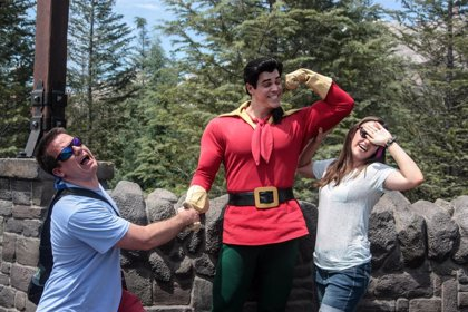 Gastón es el personaje de Disney World más viral de YouTube