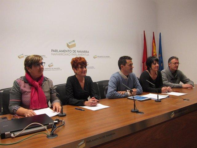 De Simón, Ruiz, Caro, Fernández de Garaialde y Leuza en la rueda de prensa