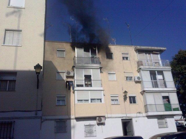 Vivienda afectada por el incendio en Lora del Río