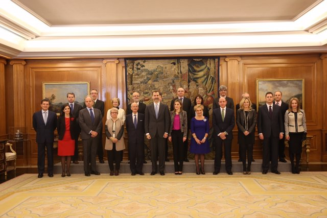 Los reyes con los representantes de ARHOE y su presidente, Ignacio Buqueras