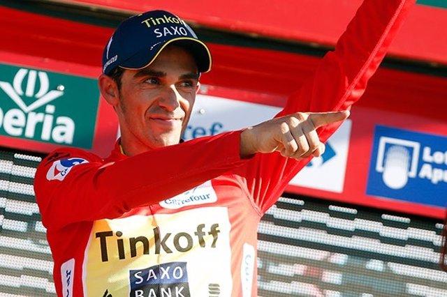 Contador con el maillo rojo de líder de la Vuelta