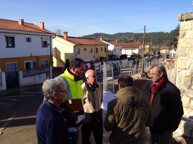 García Carmona visita las obras de la carretera